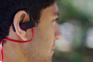 best wireless bluetooth earphones under 1000